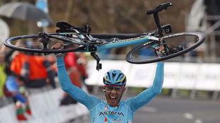 Diego Rosa celebró así su triunfo en la 5ª etapa de la Vuelta al...