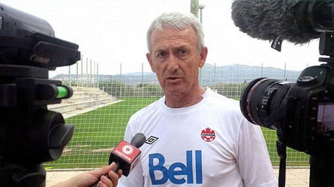 Floro, durante su etapa como seleccionador canadiense
