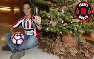 Fran Sol posa para MARCA con la camiseta del Willem II