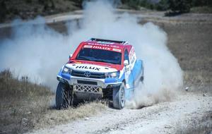 Roma, con su nuevo Toyota para el Dakar 2017.