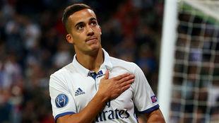 Lucas Vázquez celebra un gol en Champions ante el Legia