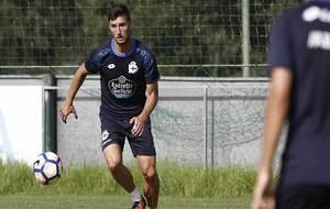 Borja Valle, durante un entrenamiento del Deportivo de esta temporada