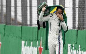 Felipe Massa, llorando, en su despedida de este a�o de la afici�n...