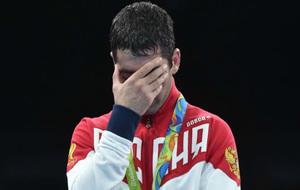 Un atleta ruso en el podio