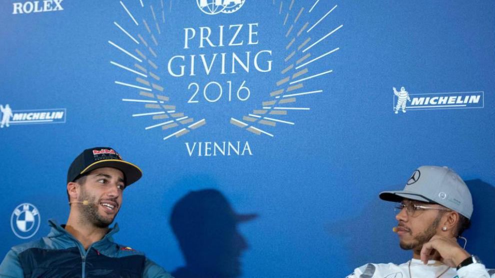 Ricciardo y Hamilton, en la entrega de premios de la FIA de esta...