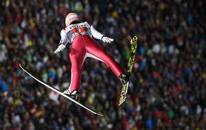 Stefan Kraft, en uno de sus saltos.