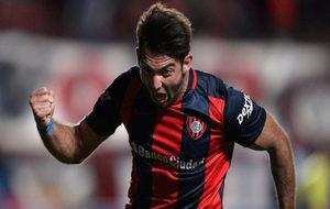 Cauteruccio celebra un gol con San Lorenzo.