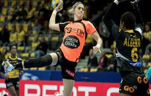 Estavana Polman, en el partido del Europeo que enfrentó a Holanda y...