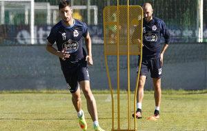 Borja Valle durante un entrenamiento del Deportivo.
