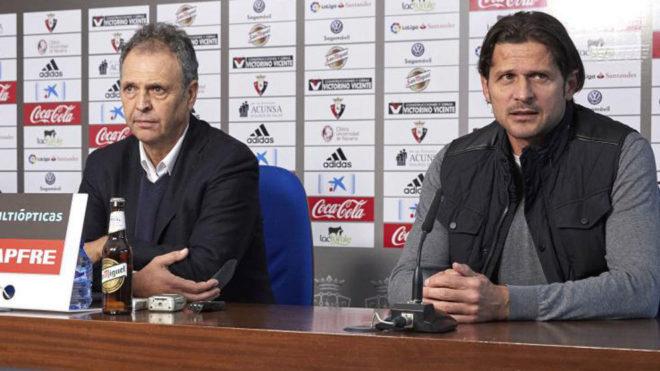 Caparrós junto a Vasiljevic, el día de la presentación del técnico...