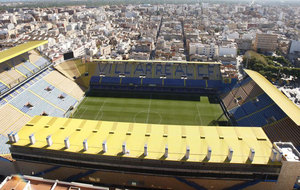 Panorámica del estadio de El Madrigal en 2011