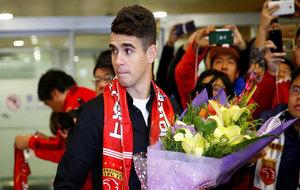Óscar, el fichaje más caro de la Liga China, a su llegada a Shanghai