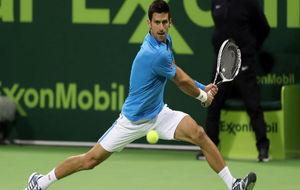 Djokovic pega de rev�s
