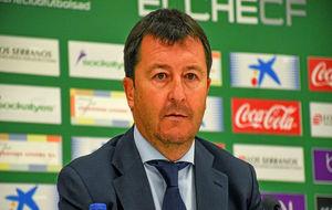 José Luis Molina, durante una rueda de prensa con el Elche.