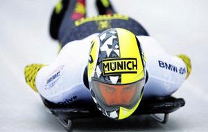 El piloto español de skeleton Ander Mirambell compitiendo.