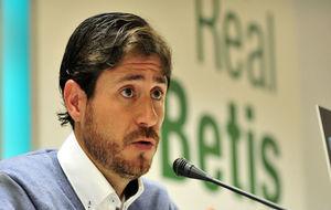 Víctor Sánchez del Amo (40), este mediodía ante los medios.
