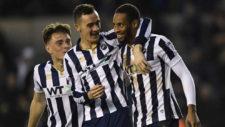 Los jugadores del Millwall celebran uno de sus goles.