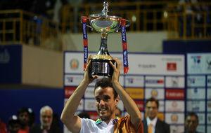 Roberto Bautista levanta el trofeo de Chennai, el quinto torneo ATP en...