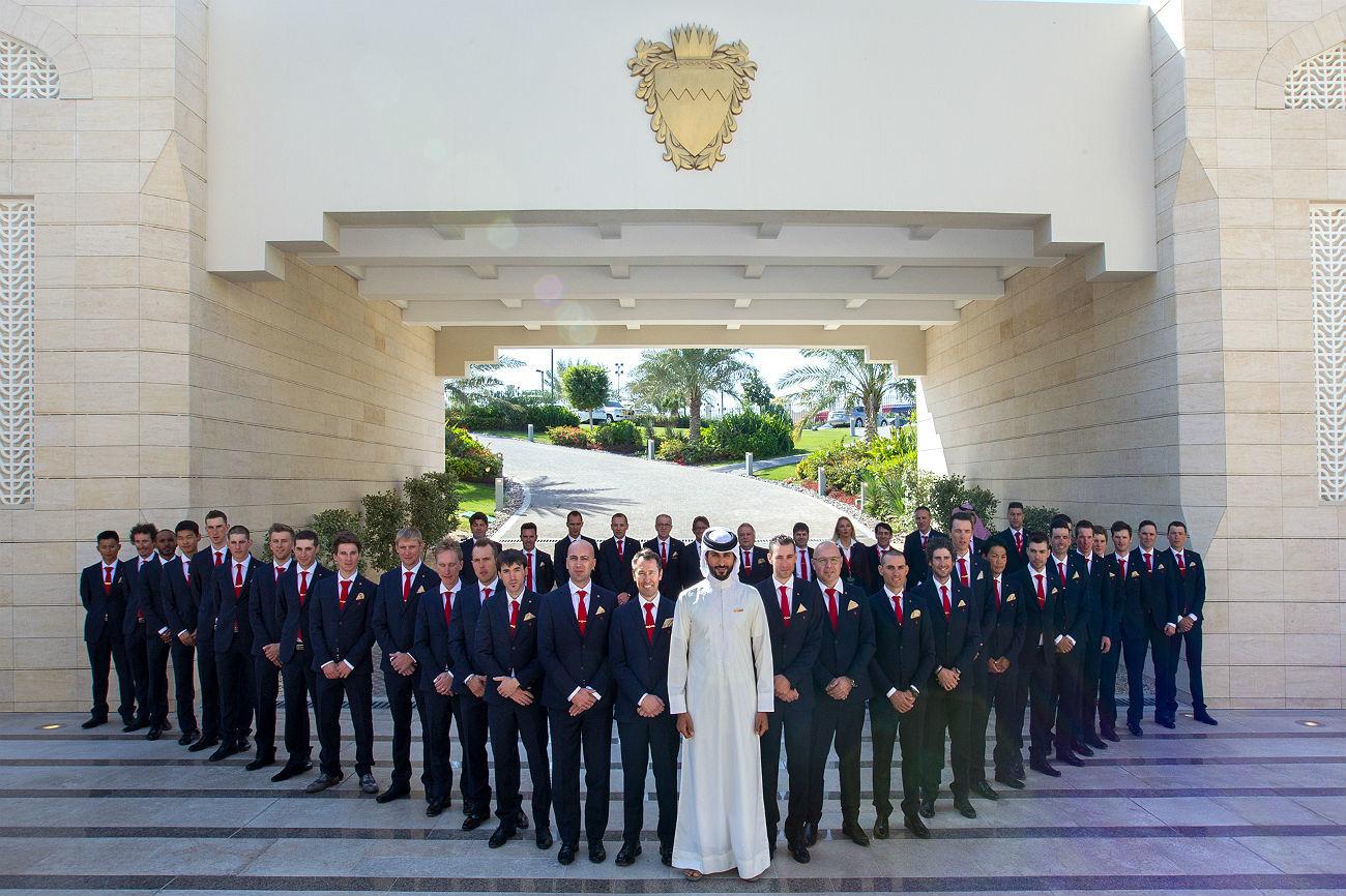 Sheikh Nasser Bin Hamad Al Khalifa conoció a sus nuevos súbditos...