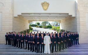 Sheikh Nasser Bin Hamad Al Khalifa conoció a sus nuevos 'súbditos'...