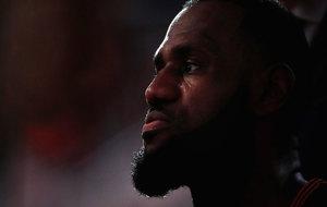 LeBron James se ha convertido en el decimocuarto jugador de la...