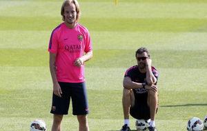 Rakitic y Luis Enrique, en un entrenamiento en Sant Joan Desp�.
