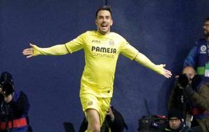 Sansone celebra su gol ante el FC Barcelona.