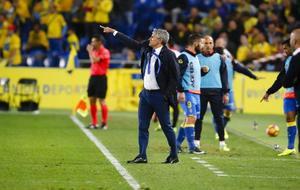 Quique Seti�n en el partido frente al Sporting.