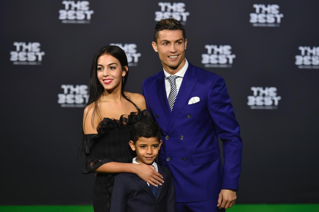 Cristiano Ronaldo, con Georgina y su hijo