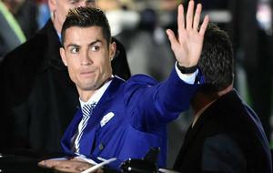 Ronaldo, a la salida de la gala.