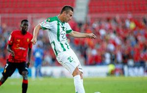 Markovic en una acción del juego durante un partido frente al RCD...