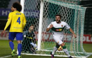Pelayo, celebrando su gol ante el Cádiz