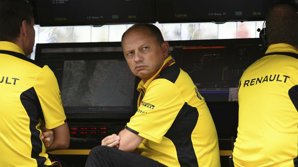 Frederic Vasseur, en el muro de Renault durante un Gran Premio
