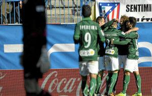 Los jugadores del Betis celebran un gol en su último triunfo en el...