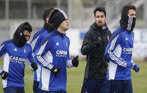 Jorge Casado corre junto a sus compañeros.