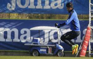 Diego Reyes realizando ejercicios físicos, este miércoles en Sant...