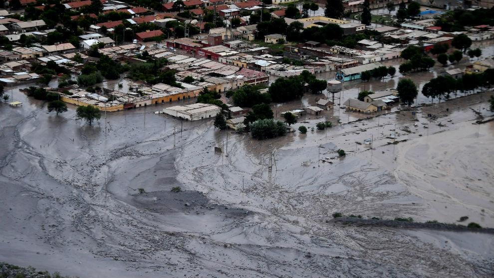 Un desprendimiento de tierra provocó un alud que ha dejado dos...