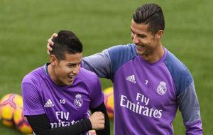 Cristiano y James, en un entrenamiento.