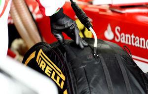 Neum�tico Pirelli de Ferrari