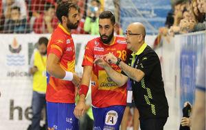 Jordi Ribera, impartiendo instrucciones a sus jugadores en un partido.