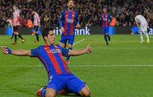 Suárez celebra su primer gol ante el Athletic