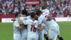 Los jugadores del Sevilla celebran un gol ante la UD Las Palmas.