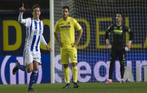 Mikel Oyarzabal celebra el gol con el que se abrió el marcador