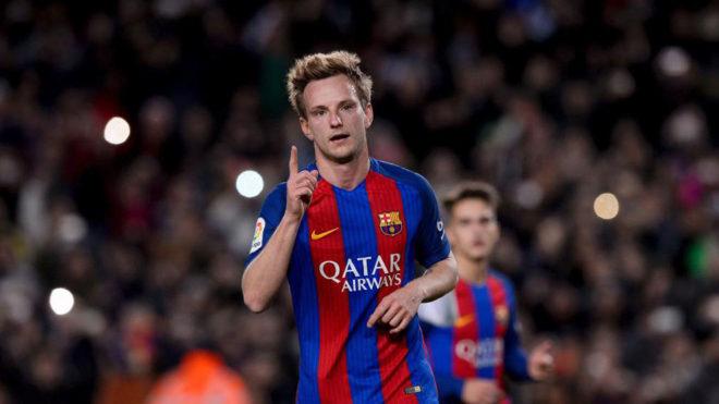 Rakitic festeja un tanto en el Camp Nou esta temporada.