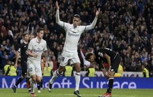 Mariano celebra su primer gol en Liga, al Deportivo