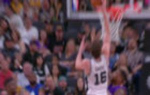 Pau Gasol machacando en su jugad�n Top 3 del Top 10 de la jornada NBA