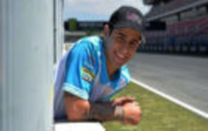 Luis Salom, posando en la recta de Montmeló