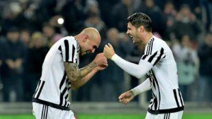 Zaza y Morata celebran un gol con la Juventus.