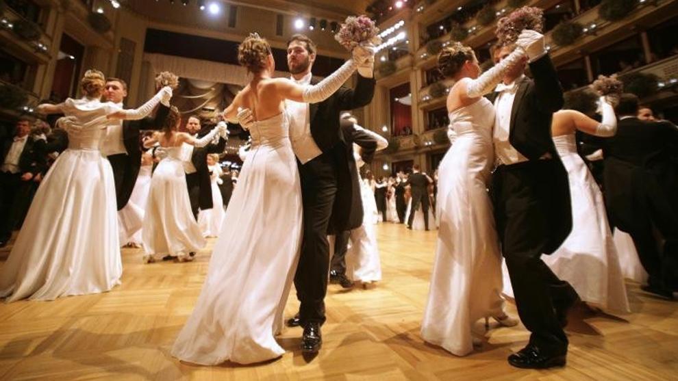 Karl Lagerfeld Diseña La Tiara De Debutantes Del Baile De La ópera De Viena Marca Com