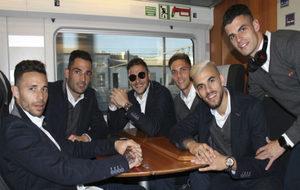 Varios jugadores del Betis, en el AVE camino de Madrid